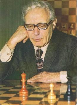 Михаил Моисеевич Ботвинник - международный гроссмейстер и арбитр по шахматной композиции; доктор технических наук, профессор
