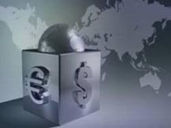 Доллар и евро снизились в начале торгов на Московской бирже