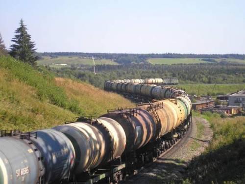 Беларусь в апреле возобновила поставки бензина в Россию